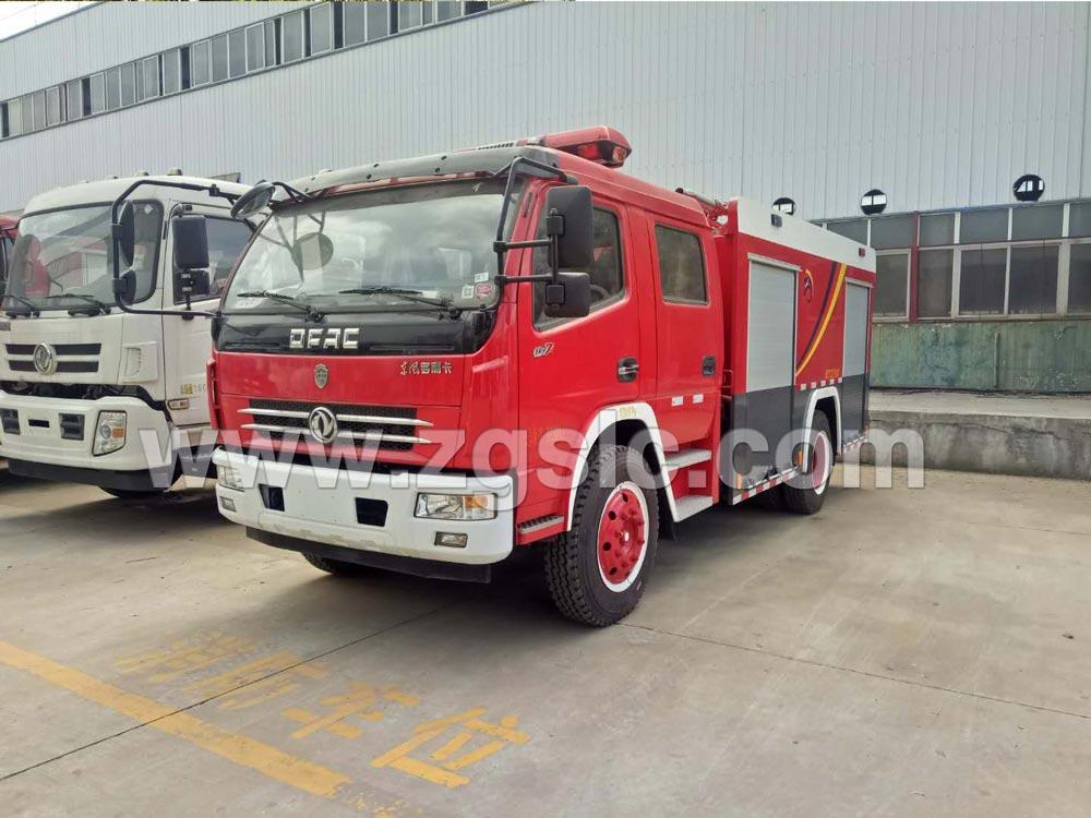 东风大多利卡水罐消防车(国五)